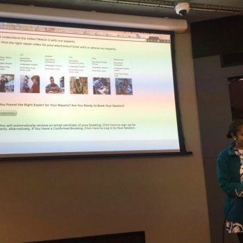 Roslyn Scott explaining how she uses Cisco Spark in her service Mobicycle